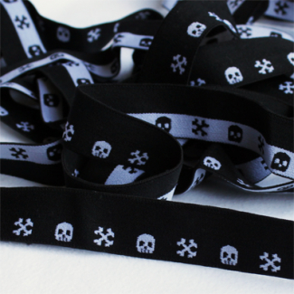 FOE 1 inch Print Skulls and Bones B&W (1m)